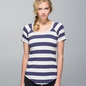 Lululemon Dhyana Short Sleeve Size 2